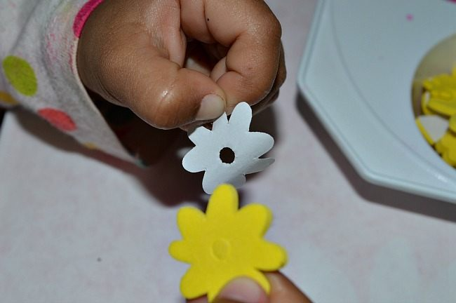 fine motor play in spring craft
