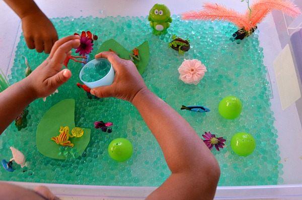 pond life sensory play