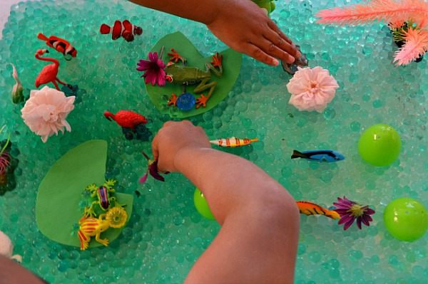 water beads sensory bin pond