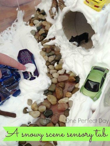 Snowy-sensory-tub-with-shaving-foam