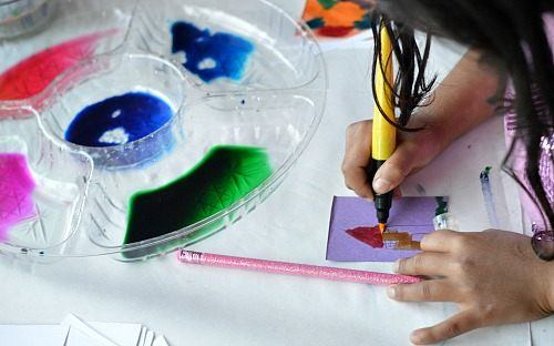 art project for kids where they make DIY stickers
