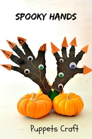Simple and Spooky Halloween Craft for kids. Great for teaching scissors skills