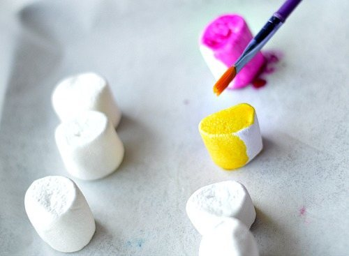 art with marshmallows