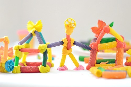 engineer a structure with pasta