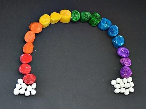 make a rainbow with marshmallows