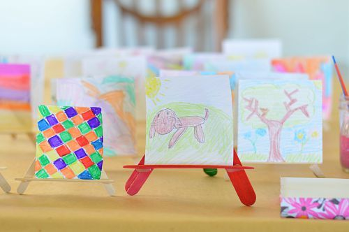 create an art gallery on your kitchen table