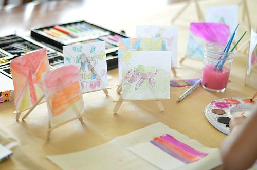 reating art on post it papers