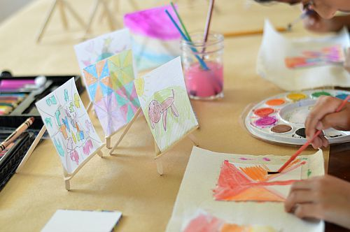 kids art projects with post it papers