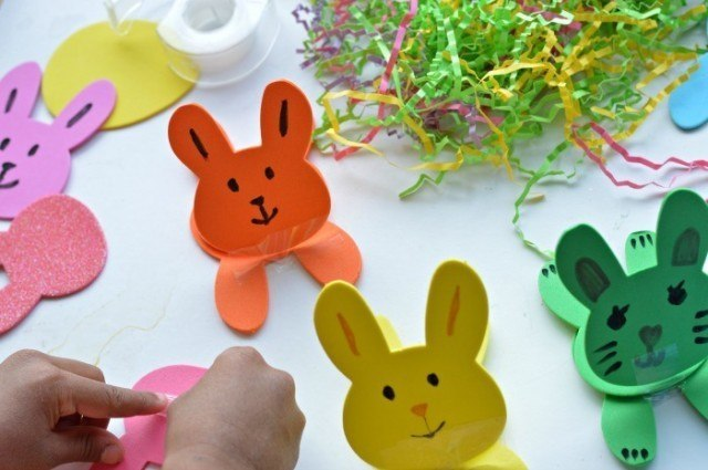 easter craft with bunnies