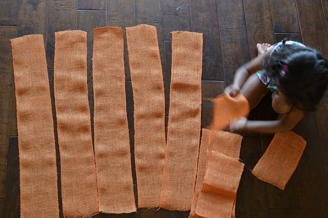 fall-crafts-with-burlap