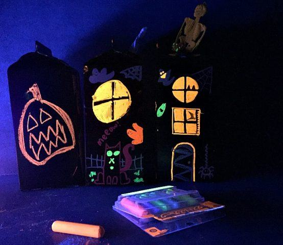 halloween-crafts-with-chalk