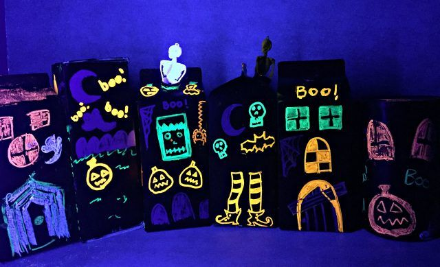 haunted-house-craft-with-liquid-chalk