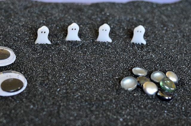 halloween-activities-small-world