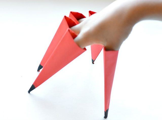 halloween-crafts-witch-fingers-origami