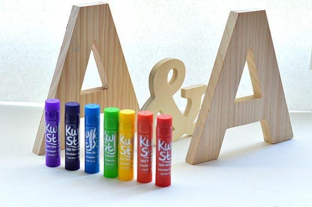 paint-wood-letters-with-paint-sticks