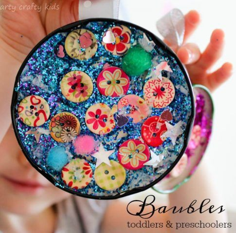 recycled-christmas-ornaments-lid-bauble