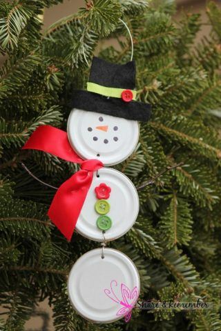 recycled-christmas-ornaments-lid-snowman