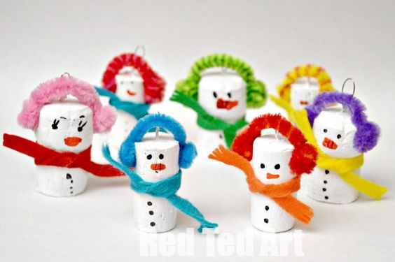 Recycled Christmas Ornaments - cork snowmen